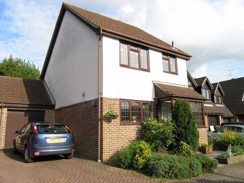 3 Bedrooms Detached House for sale in Centurion Way, Hatch Warren, Basingstoke, RG22