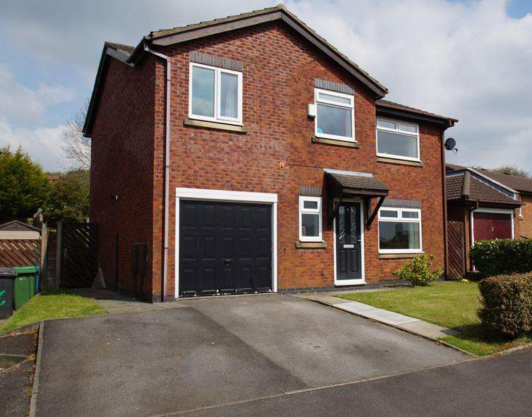 4 Bedrooms Detached House for sale in Hillspring Rd, Springhead OL4