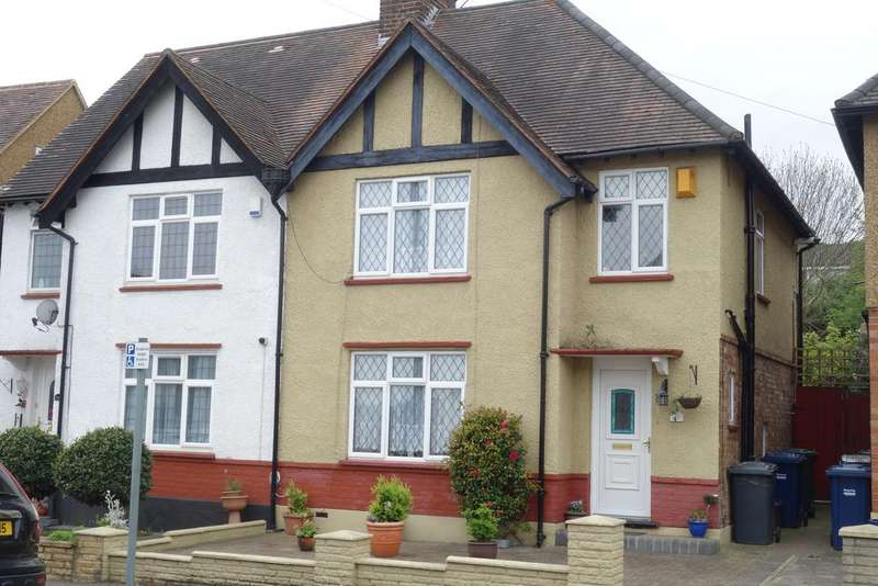 2 Bedrooms Semi Detached House for sale in Cranbrook Road, East Barnet EN4