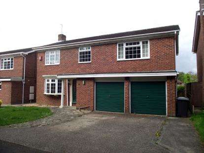 4 Bedrooms Detached House for sale in Wickham, Fareham, Hampshire