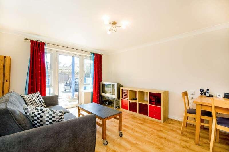 1 Bedroom Flat for sale in Woodger Road, Shepherd's Bush, W12
