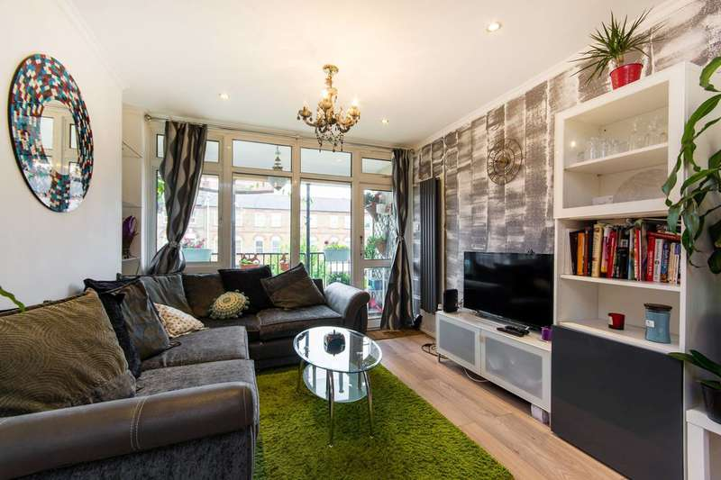 2 Bedrooms Flat for sale in Heather Close, Diamond Conservation Area, SW8