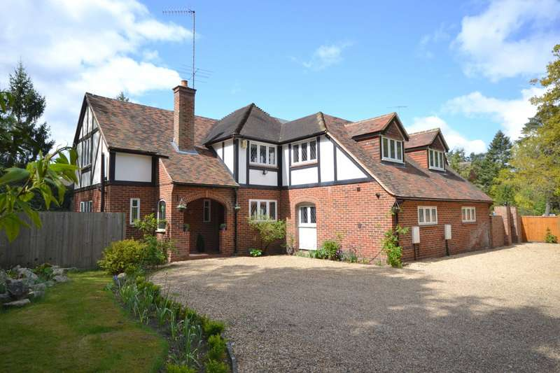 6 Bedrooms Detached House for sale in Pyrford