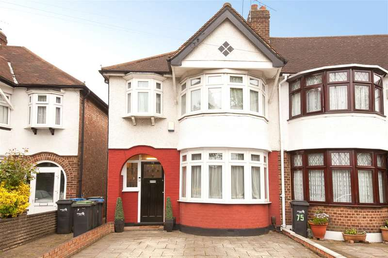 3 Bedrooms House for sale in Dimsdale Drive, Enfield