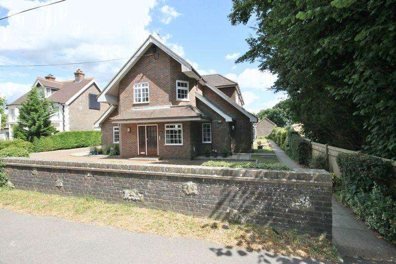 1 Bedroom Flat for sale in Wells Chase, Station Road, Plumpton Green, East Sussex