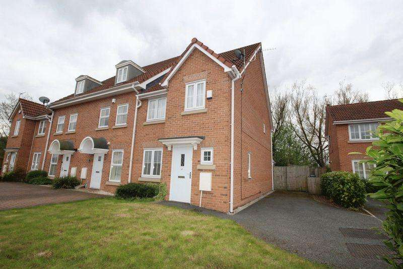 4 Bedrooms Semi Detached House for sale in Leighton Avenue, Alkrington, Middleton, Manchester, M24 1PJ