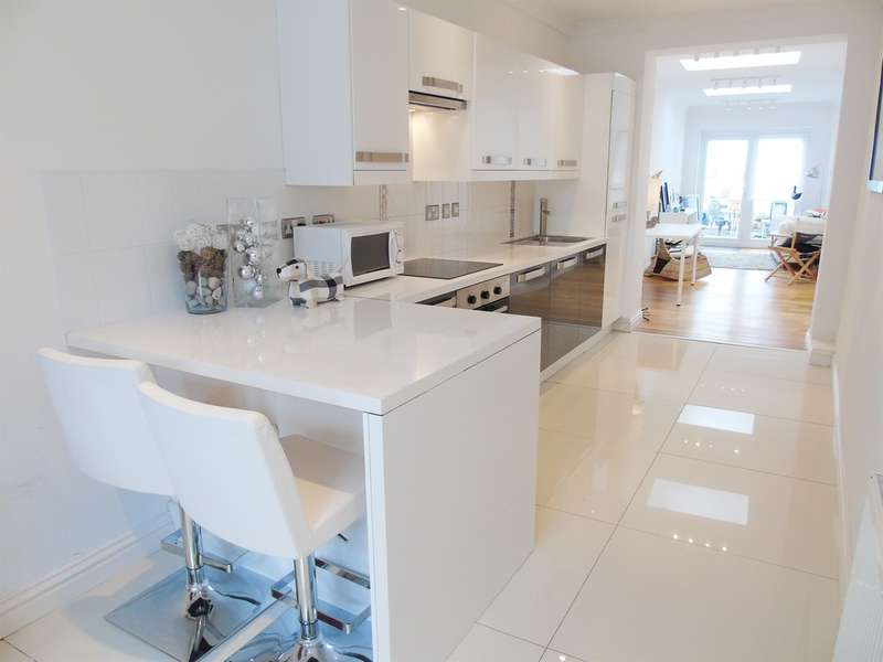 1 Bedroom Town House for sale in Plassey Street, Penarth