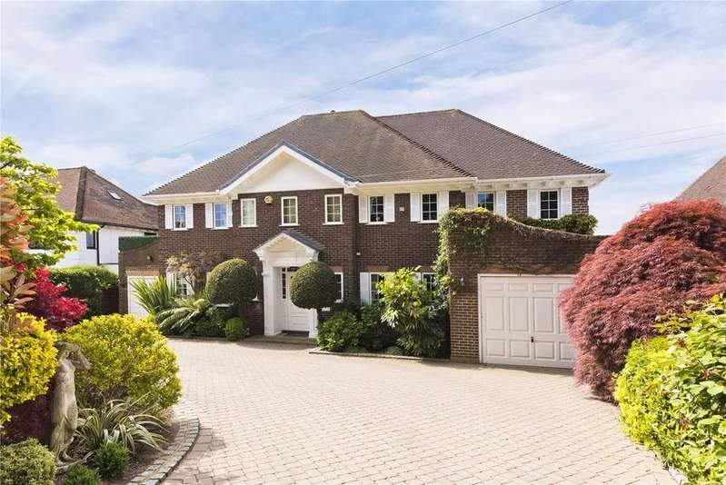 4 Bedrooms Detached House for sale in Pelhams Walk, Esher, Surrey, KT10