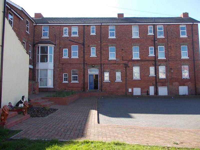 2 Bedrooms Apartment Flat for sale in Sea View Mansions, Sea View Road, Skegness