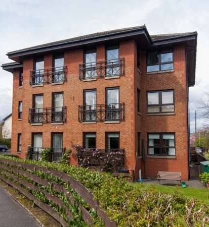 2 Bedrooms Flat for sale in 5 Caledonia Gardens, Gourock