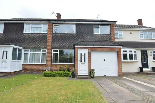 3 Bedrooms Terraced House for sale in Nunsbury Drive, Broxbourne, Hertfordshire