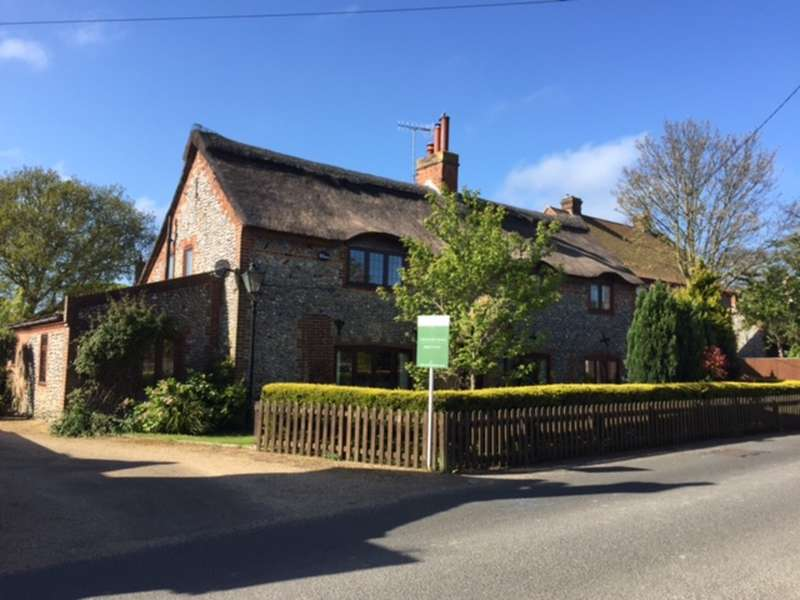 4 Bedrooms Cottage House for sale in The Street, Weybourne, Holt