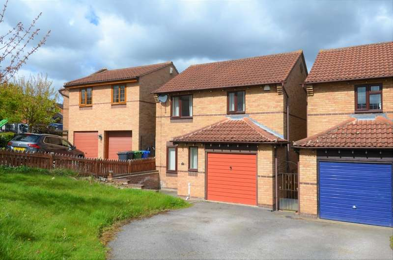 3 Bedrooms Semi Detached House for sale in The Meadows, Ashgate