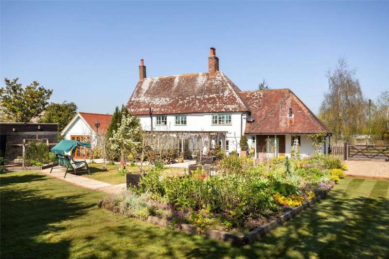 4 Bedrooms Detached House for sale in Main Road, Nutbourne, Chichester, West Sussex, PO18