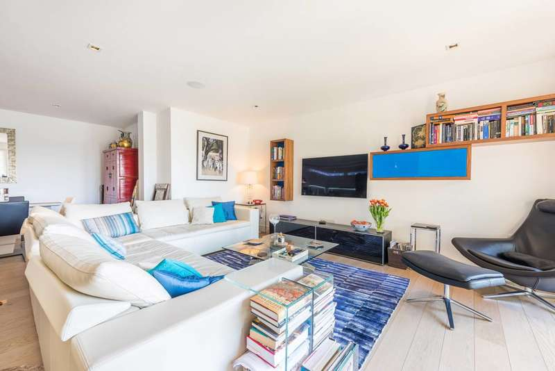 2 Bedrooms Flat for sale in Kew Bridge Road, Brentford, TW8