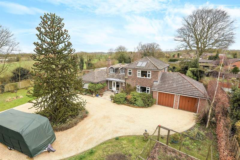 5 Bedrooms Detached House for sale in Wildern Lane, Wildhern, Andover, SP11