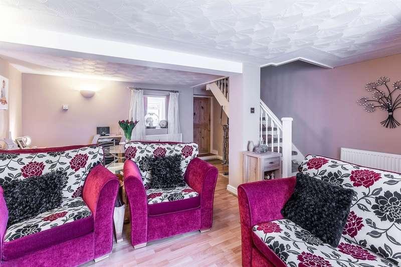 2 Bedrooms End Of Terrace House for sale in Cross Street, Maesteg