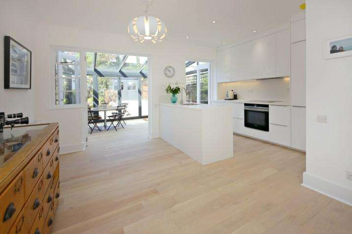 5 Bedrooms End Of Terrace House for sale in Parkhill Road, NW3