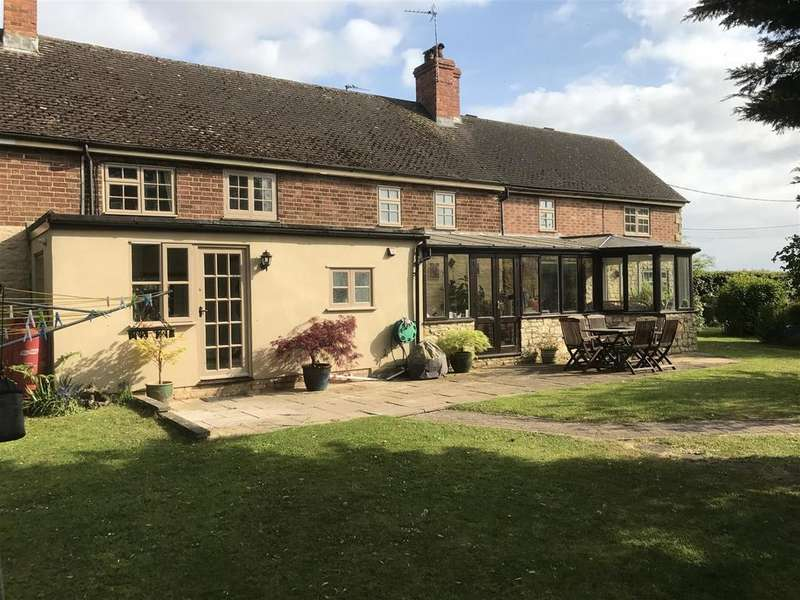 4 Bedrooms Cottage House for sale in Middle Weald, Calverton