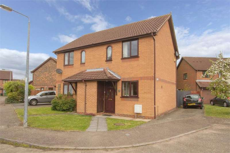 2 Bedrooms Semi Detached House for sale in Laxton Close, Attleborough, Norfolk