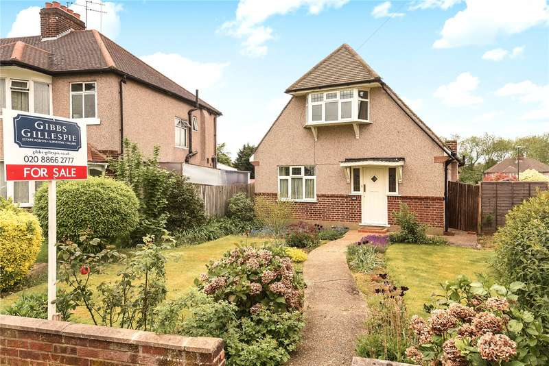 2 Bedrooms House for sale in Cannon Lane, Pinner, Middlesex, HA5