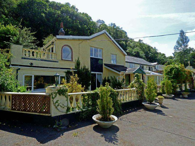 5 Bedrooms Country House Character Property for sale in Bryn Yr Aur Farm, Llangernyw, Abergele LL22 8PF