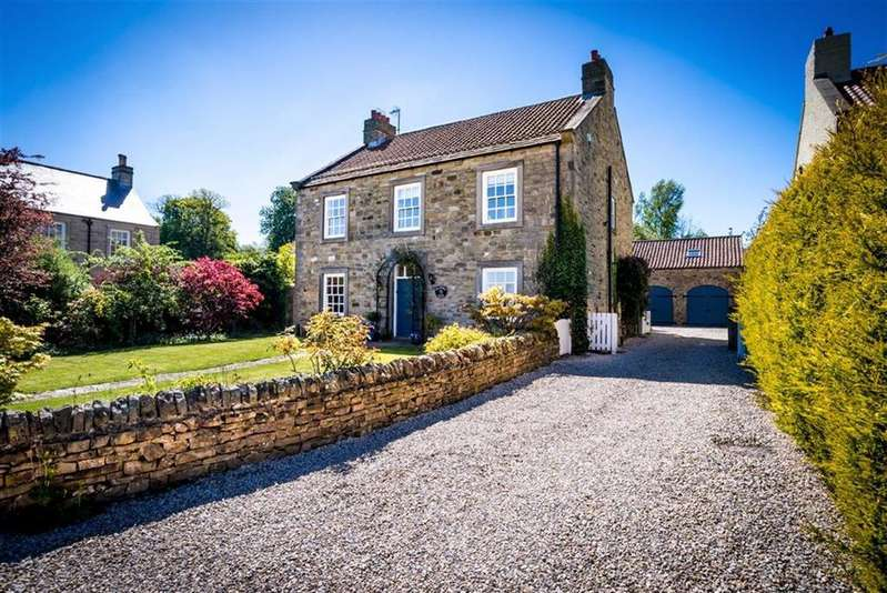 4 Bedrooms Detached House for sale in Church Row, Richmond, North Yorkshire