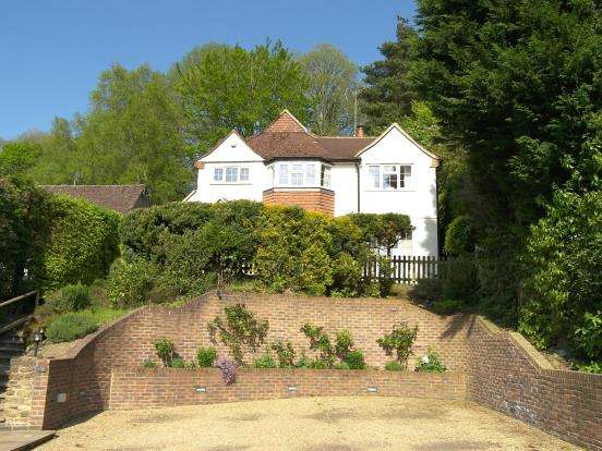 4 Bedrooms Detached House for sale in Haslemere, Surrey
