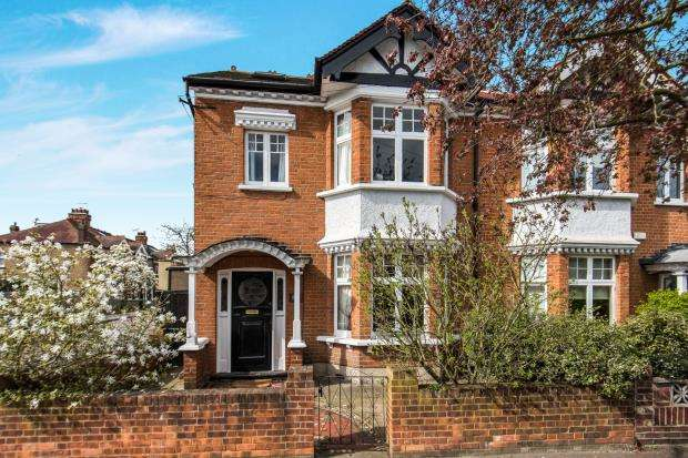 4 Bedrooms Semi Detached House for sale in Richmond, Surrey, .