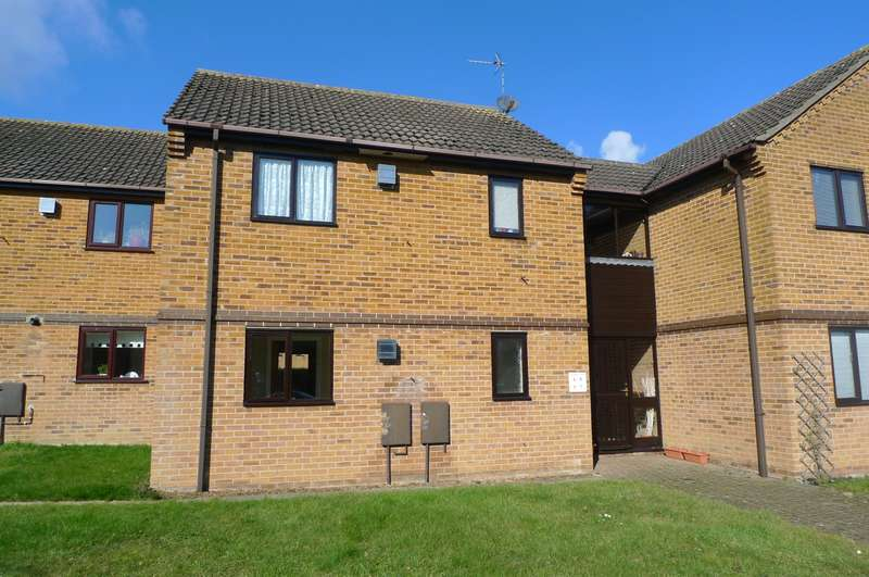 1 Bedroom Flat for sale in Cardington Court, Acle, Norwich, NR13