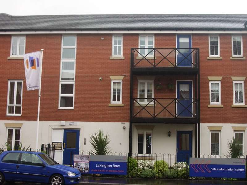 2 Bedrooms Flat for sale in Nacton Court, Chadwell Heath