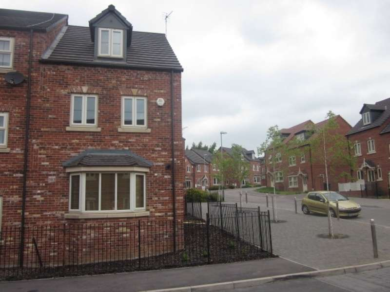 4 Bedrooms Town House for rent in Betts Avenue, Hucknall