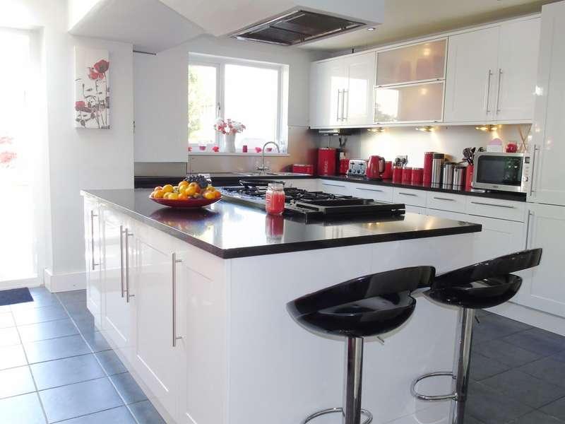 3 Bedrooms Terraced House for sale in Ludlow Street, Penarth