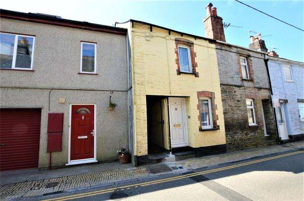 2 Bedrooms Semi Detached House for sale in Underwood Road, Plymouth, Devon