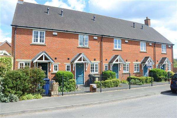 2 Bedrooms Terraced House for sale in Elderberry Cottage, The Street, Motcombe, Shaftesbury