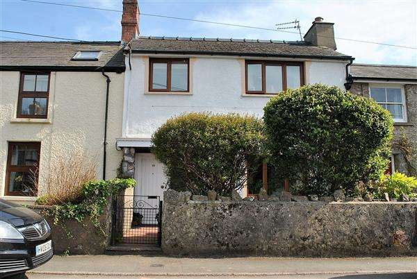 3 Bedrooms Cottage House for sale in 18 Holyland Road