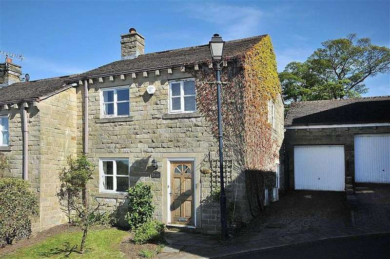 3 Bedrooms Semi Detached House for sale in Adshead Court, Bollington, Macclesfield