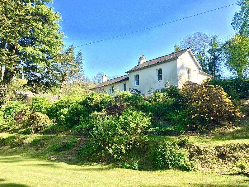 6 Bedrooms Detached House for sale in Fron, Llandovery, Carmarthenshire.