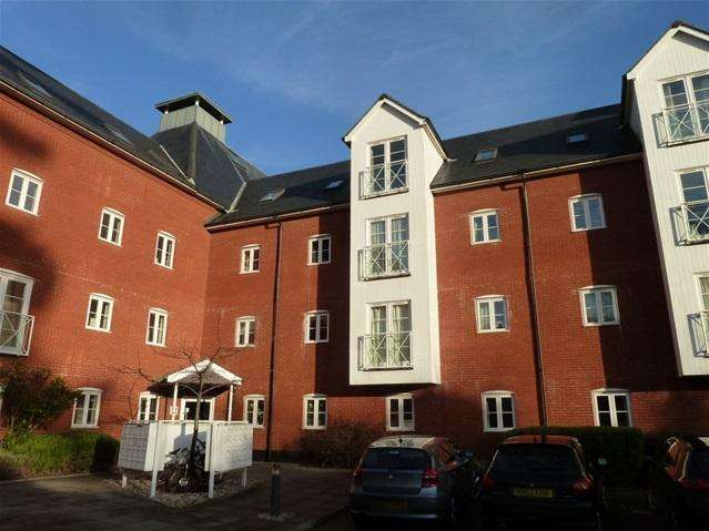 2 Bedrooms Flat for sale in Old Maltings Court, Melton