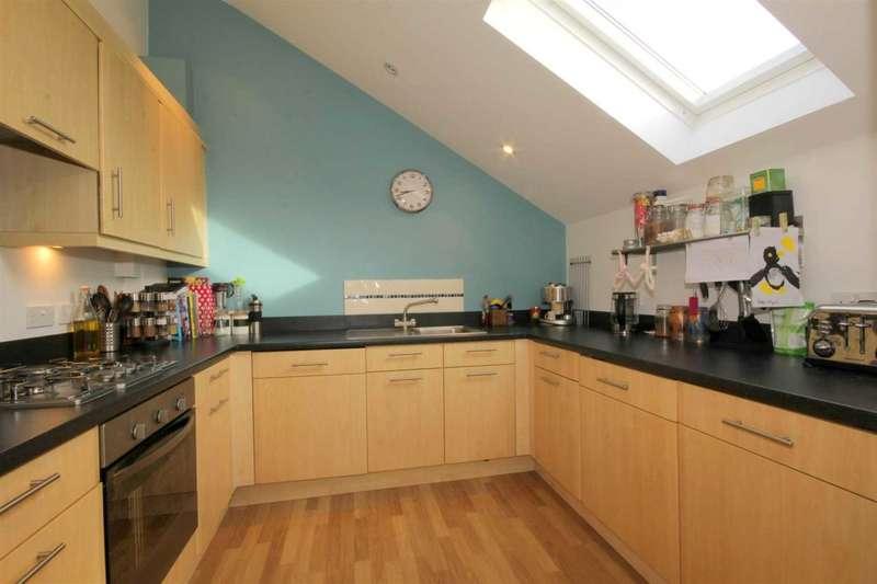 2 Bedrooms Apartment Flat for sale in 2 BEDROOM PENTHOUSE Nr WATFORD JUNCTION IN Grandfield Avenue, Watford
