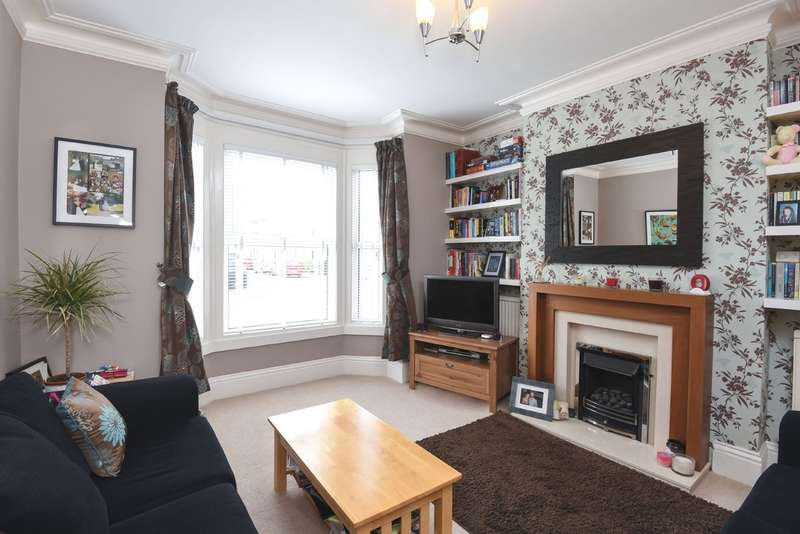 3 Bedrooms Semi Detached House for sale in Winstonian Road