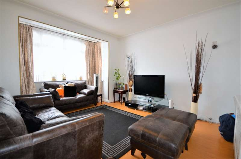 4 Bedrooms Semi Detached House for sale in Grasmere Ave, Wembley, Middlesex, HA9 8TH