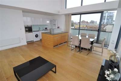 3 Bedrooms Flat for rent in Unity Street, Bristol