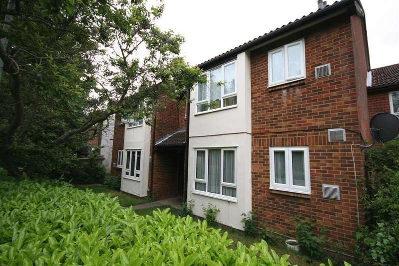 Studio Flat for sale in New Road, Hayes