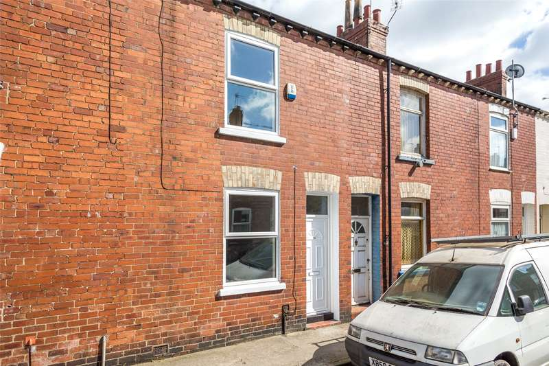 2 Bedrooms Terraced House for sale in Lincoln Street, York, YO26