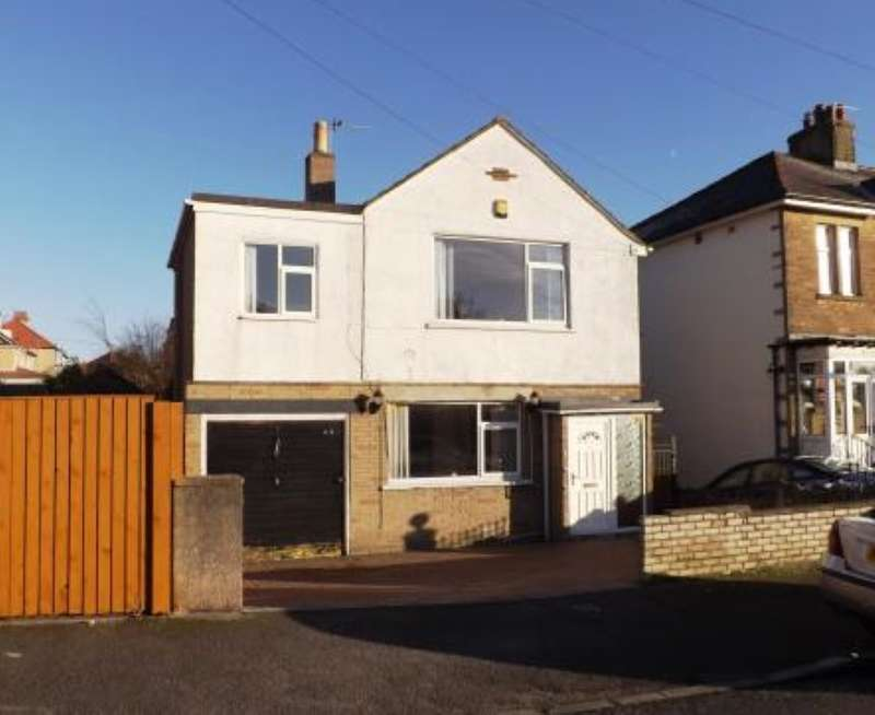 3 Bedrooms Detached House for sale in Chatsworth Road, Morecambe, Lancashire, LA4 4JG