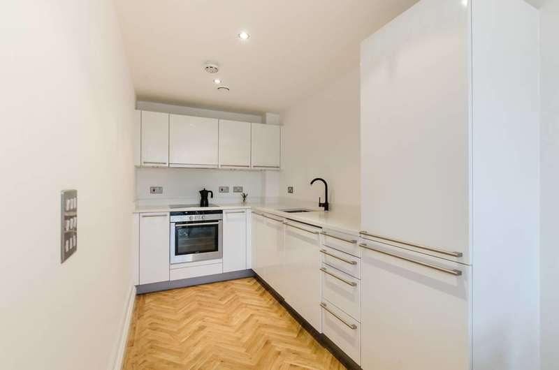1 Bedroom Flat for sale in Kingsway Square, Battersea, SW11