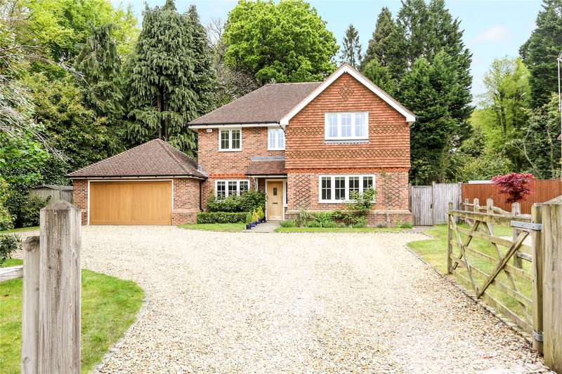 5 Bedrooms Detached House for sale in Scotlands Drive, Haslemere, Surrey, GU27