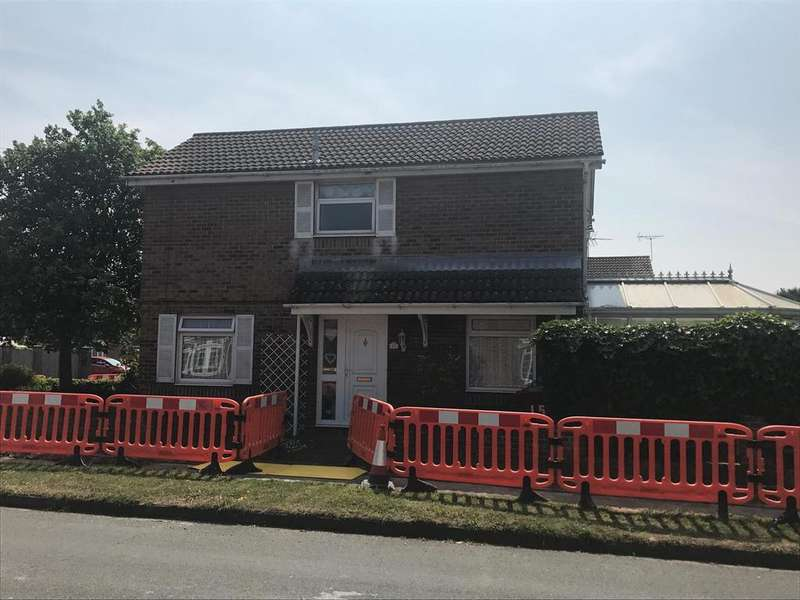3 Bedrooms Detached House for sale in Kensington Road, Chichester