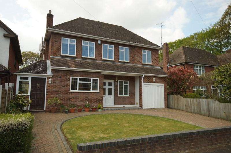 5 Bedrooms Detached House for sale in Sylvan Way, Leigh-On-Sea